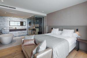 Hotelkamer met sauna en jacuzzi in Hengelo