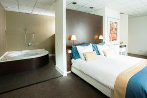 Hotelkamer met 2 persoons jacuzzi in Amsterdam
