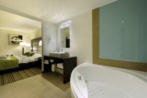 Van der Valk hotelkamer met jacuzzi België