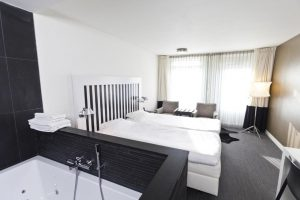 hotel met jacuzzi op kamer aan zee domburg zeeland