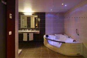 Hotelkamer met jacuzzi opkamer Oostende - Hotel Europe