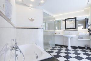 Hotel Kasteel Bloemendal met jacuzzi in Limburg