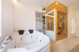 Centerparcs met jacuzzi en sauna in Zandvoort