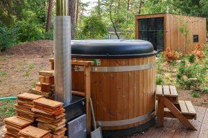 Tiny House met hot tub op Droompark Bad Hoophuizen