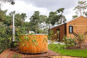 Tiny house met jacuzzi en sauna in Otterlo Gelderland