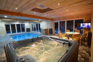 Groot vakantiehuis met jacuzzi en zwembad in de Belgische Ardennen