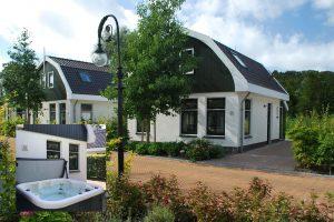 Huisje met jacuzzi en sauna in Schoorl aan zee