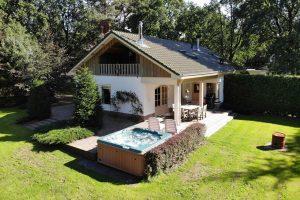 Huisje met jacuzzi midden in de Veluwe