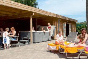 Roompot vakantiehuis 12 personen met jacuzzi