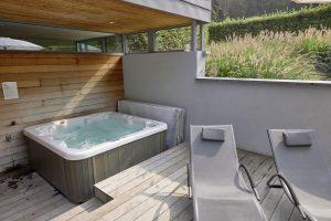 Vakantiehuis met jacuzzi en zwembad voor 14 gasten in de Ardennen
