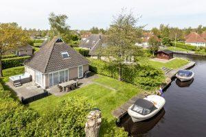 Vakantiehuis met sloep en jacuzzi in Friesland