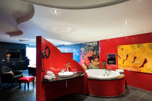 Van der Valk Moulin Rouge Suite met privé jacuzzi