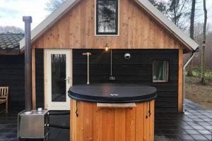 Huisje met Hottub 2 personen in Rheezerveen