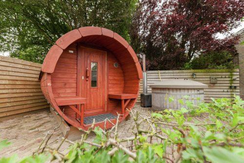 Natuurhuis met Hottub en 10 slaapkamers in Brabant
