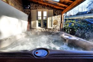 Natuurhuisje met Jacuzzi en Sauna in de Belgische Ardennen voor 4 personen