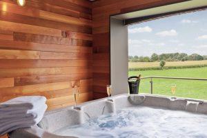 Natuurhuisje met Jacuzzi en Zwembad in de Ardennen
