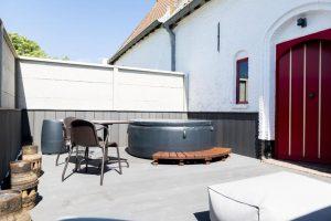Hotelsuite met buiten Jacuzzi aan de Belgische kust