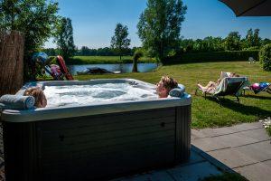 Huisje met Jacuzzi in Groningen voor 16 personen