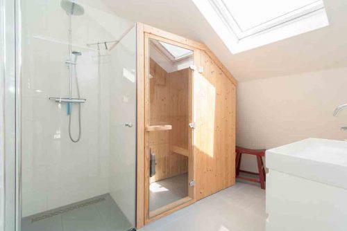 Huisje met sauna aan zee in Egmond