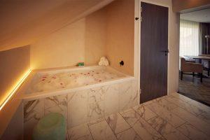 Hotel Emmeloord met Jacuzzi Suite