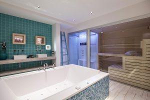 Van der Valk suite met jacuzzi en sauna op kamer in Vianen